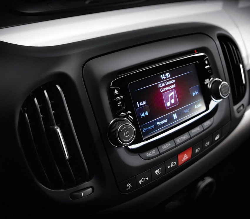Fiat 500L – new five-door hatch powered by TwinAir engine, Lavazza coffee and Beats by Dr. Dre Image #116596