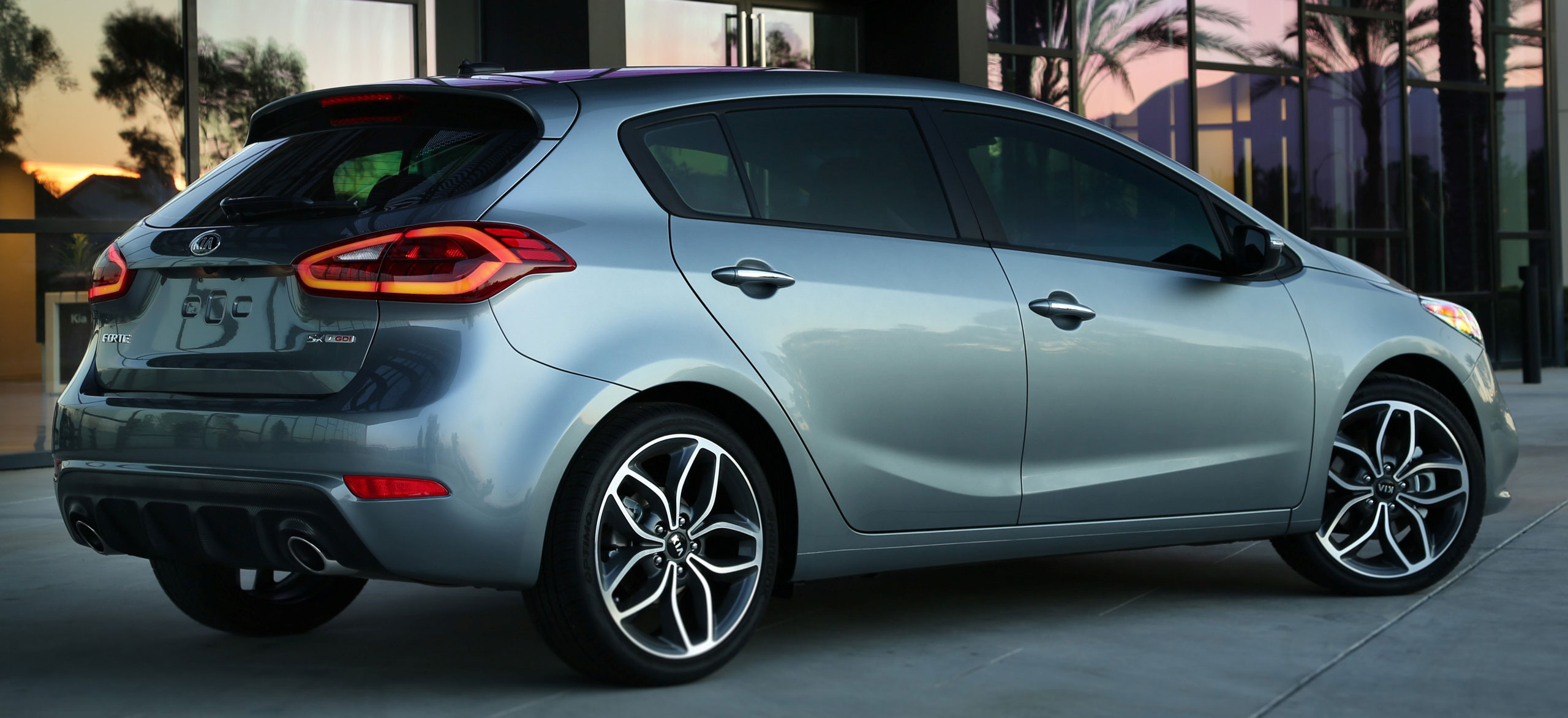 all new kia forte 5 door hatchback makes world debut at chicago auto show gets up to 201 hp gdi. Black Bedroom Furniture Sets. Home Design Ideas
