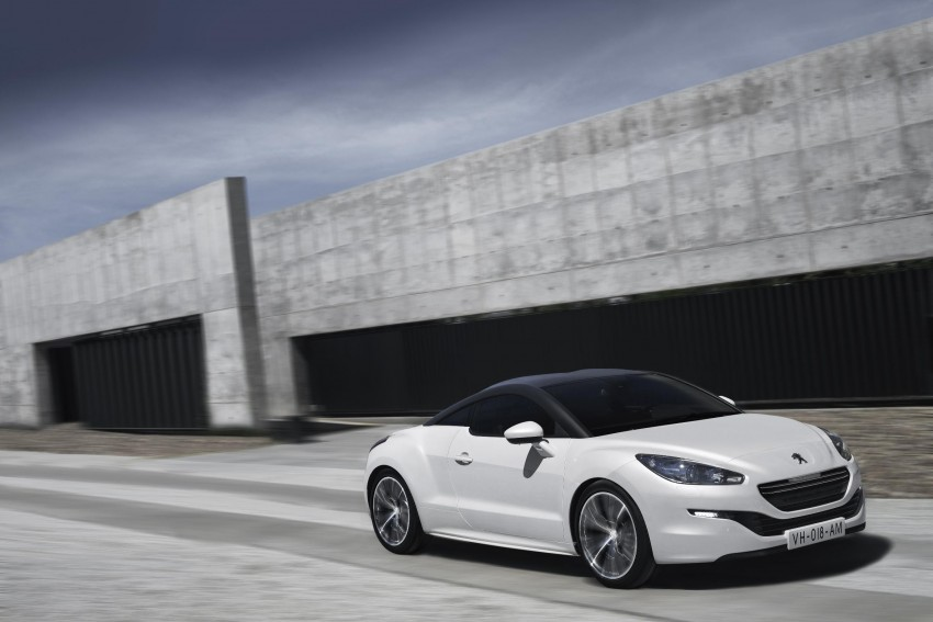 Peugeot RCZ facelift: first photos, attending Paris Image #130749