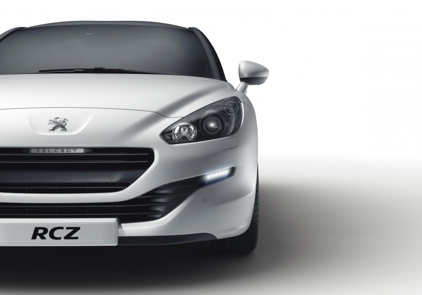 Peugeot RCZ facelift: first photos, attending Paris Image #130769
