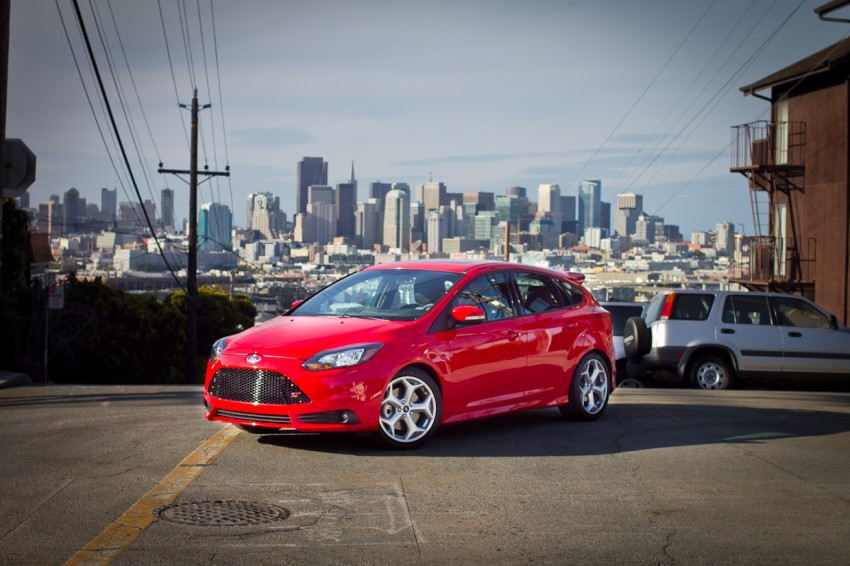 Ford Focus ST debuts, in five-door and estate forms Image #131059