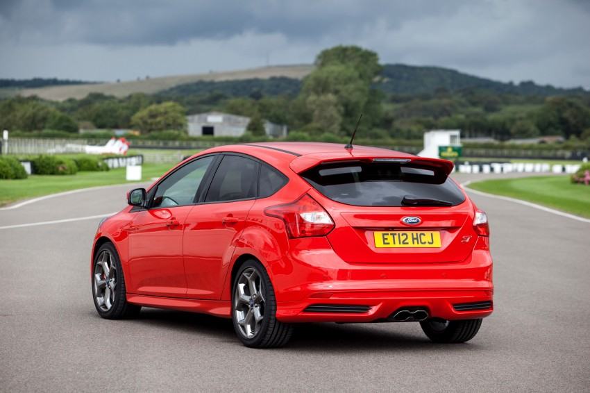 Ford Focus ST debuts, in five-door and estate forms Image #131062