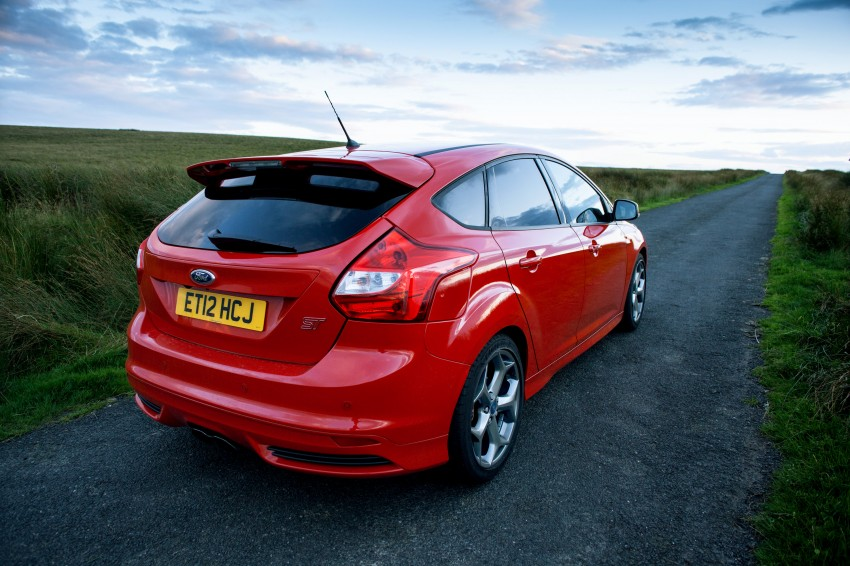 Ford Focus ST debuts, in five-door and estate forms Image #131063