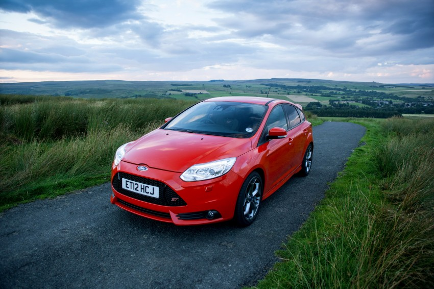 Ford Focus ST debuts, in five-door and estate forms Image #131058