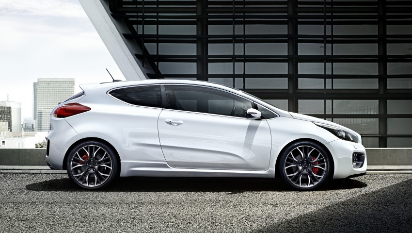 Kia cee'd GT and pro_cee'd GT to debut at Geneva Image #151405