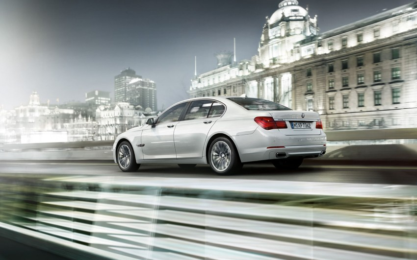 2012 BMW 7-Series LCI gets updated inside and out Image #108789