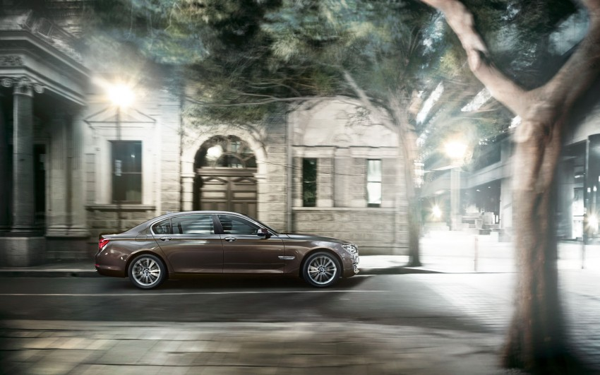 2012 BMW 7-Series LCI gets updated inside and out Image #108787
