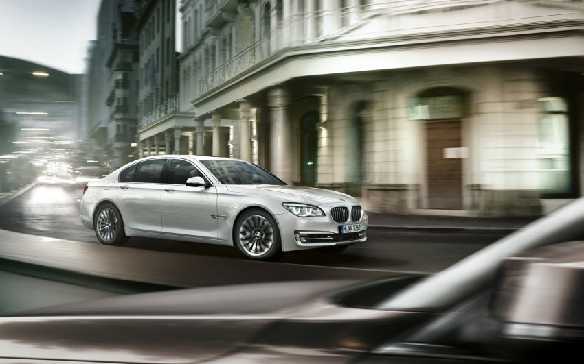 2012 BMW 7-Series LCI gets updated inside and out Image #108786