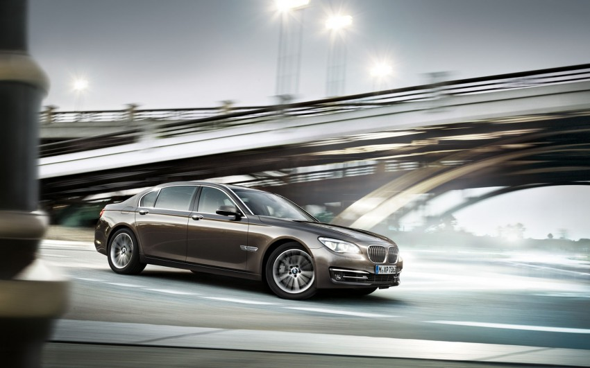 2012 BMW 7-Series LCI gets updated inside and out Image #108781
