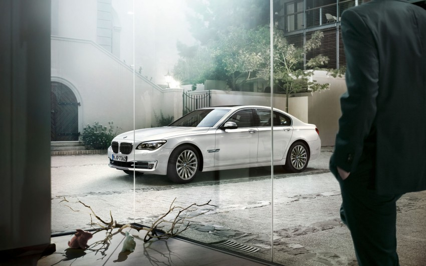 2012 BMW 7-Series LCI gets updated inside and out Image #108780