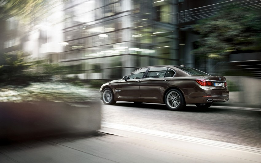 2012 BMW 7-Series LCI gets updated inside and out Image #108778