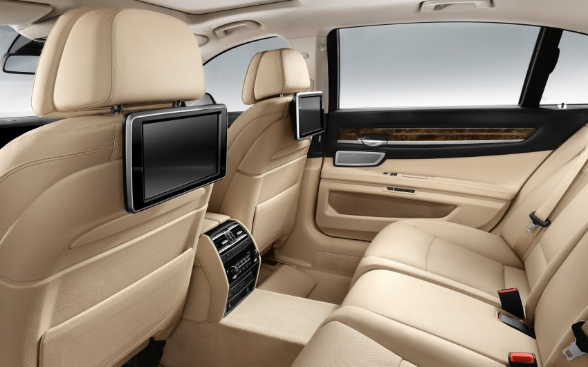 2012 BMW 7-Series LCI gets updated inside and out Image #108771