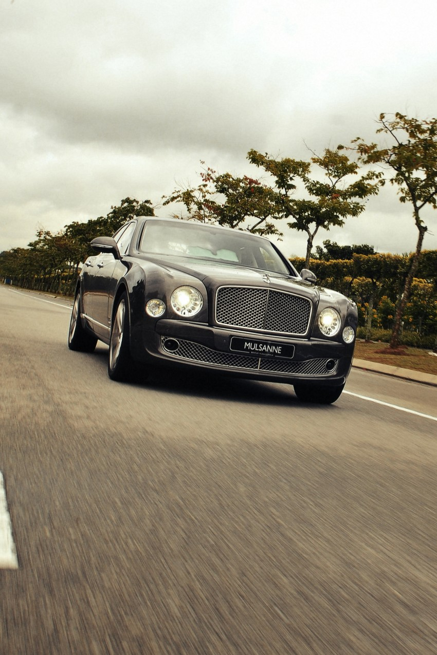 Bridging the generation gap: Bentley Continental GTC V8 and Mulsanne taken for a highway spin! Image #128041