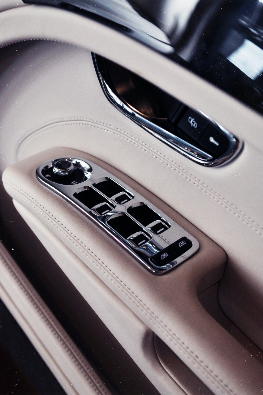 Bridging the generation gap: Bentley Continental GTC V8 and Mulsanne taken for a highway spin! Image #128046