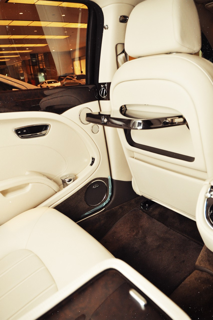 Bridging the generation gap: Bentley Continental GTC V8 and Mulsanne taken for a highway spin! Image #128047