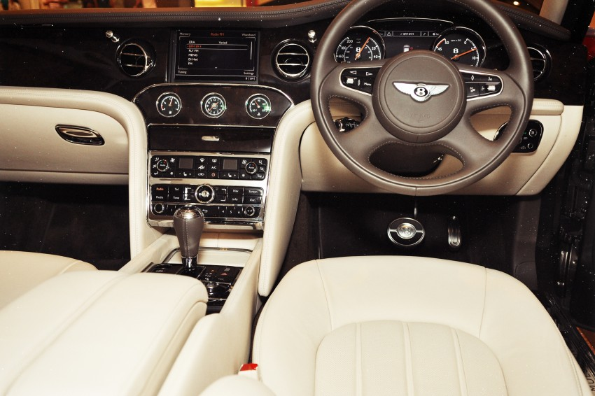 Bridging the generation gap: Bentley Continental GTC V8 and Mulsanne taken for a highway spin! Image #128048