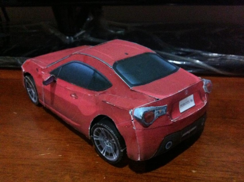 Toyota 86 assembled. Photo taken. Prize will be won. Image #104246