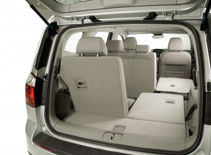 Chevrolet Orlando officially launched – RM118,888 Image #145868