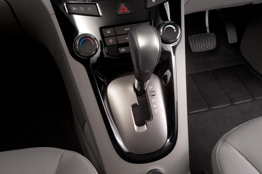 Chevrolet Orlando officially launched – RM118,888 Image #145862
