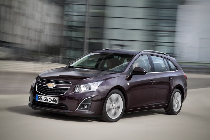 Chevrolet Cruze Station Wagon with a new family face Image #113536