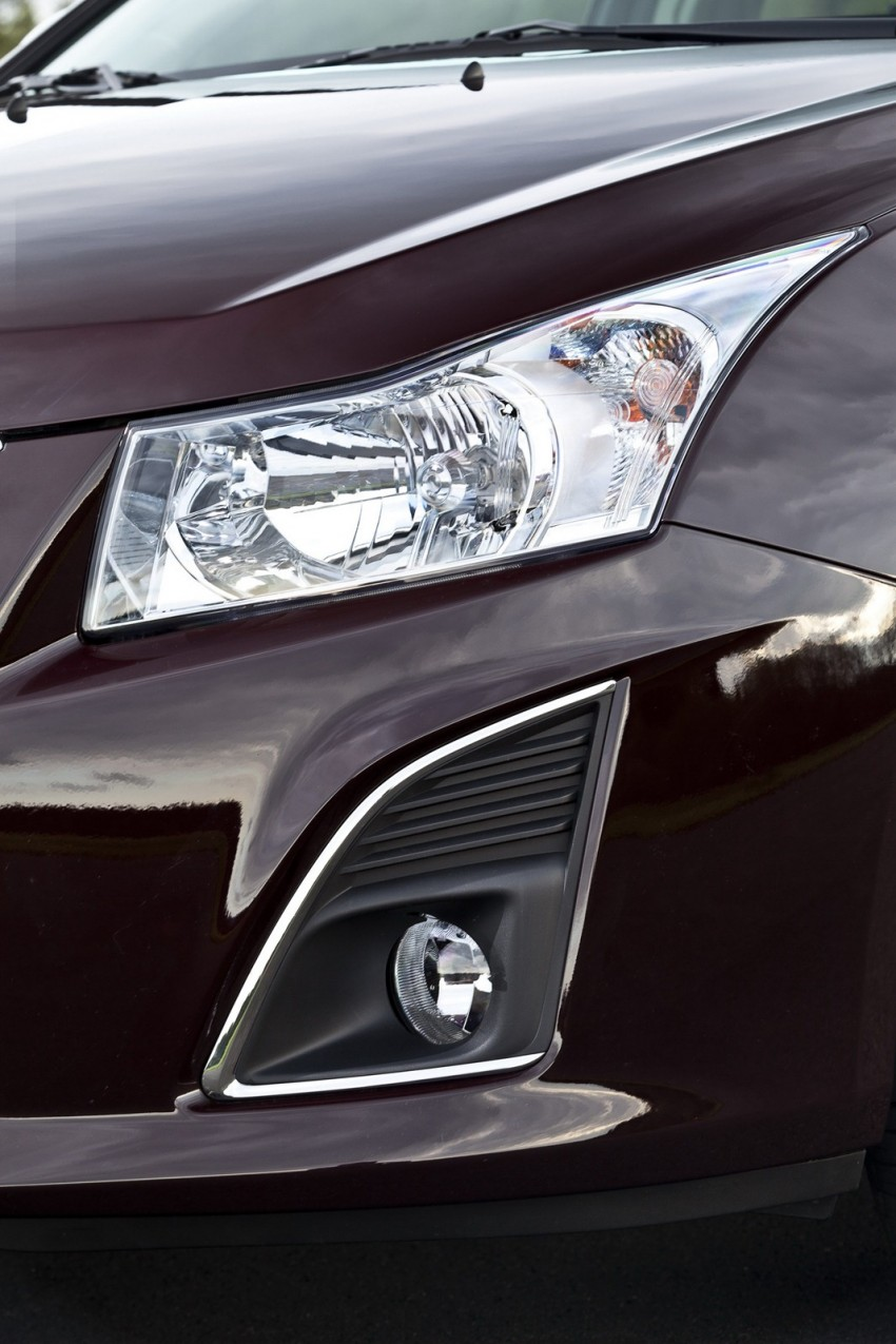 Chevrolet Cruze Station Wagon with a new family face Image #113580