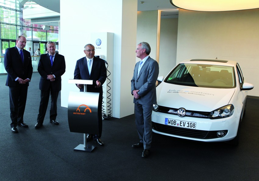 Electric Volkswagen Golf Blue-E-Motion prototype – a preview test drive in Wolfsburg, Germany Image #127838