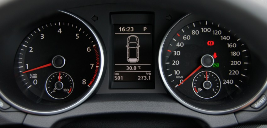 Volkswagen Golf 1.4 TSI Test Drive Review Image #42000