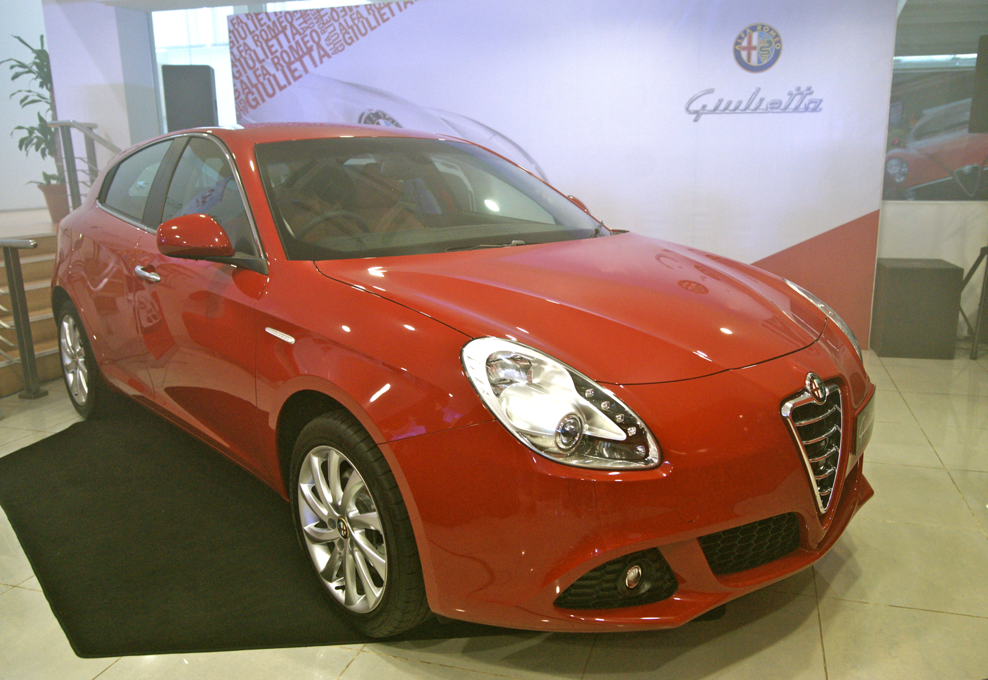 alfa romeo giulietta 1 4 tb multiair 170 hp rm178 888 image 105854. Black Bedroom Furniture Sets. Home Design Ideas