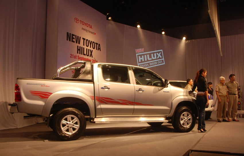 Toyota Hilux facelift launched: 5 variants, RM73k to 107k Image #69959