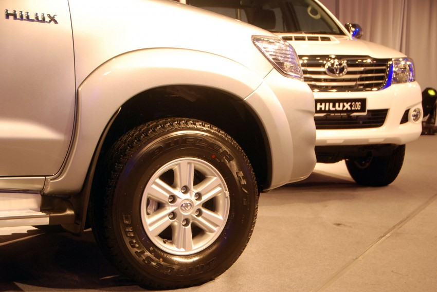 Toyota Hilux facelift launched: 5 variants, RM73k to 107k Image #69977