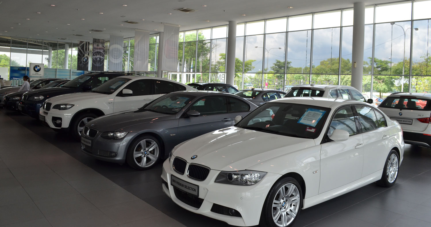 bmw premium selection certified pre owned cars we visit auto bavaria s glenmarie outlet to. Black Bedroom Furniture Sets. Home Design Ideas
