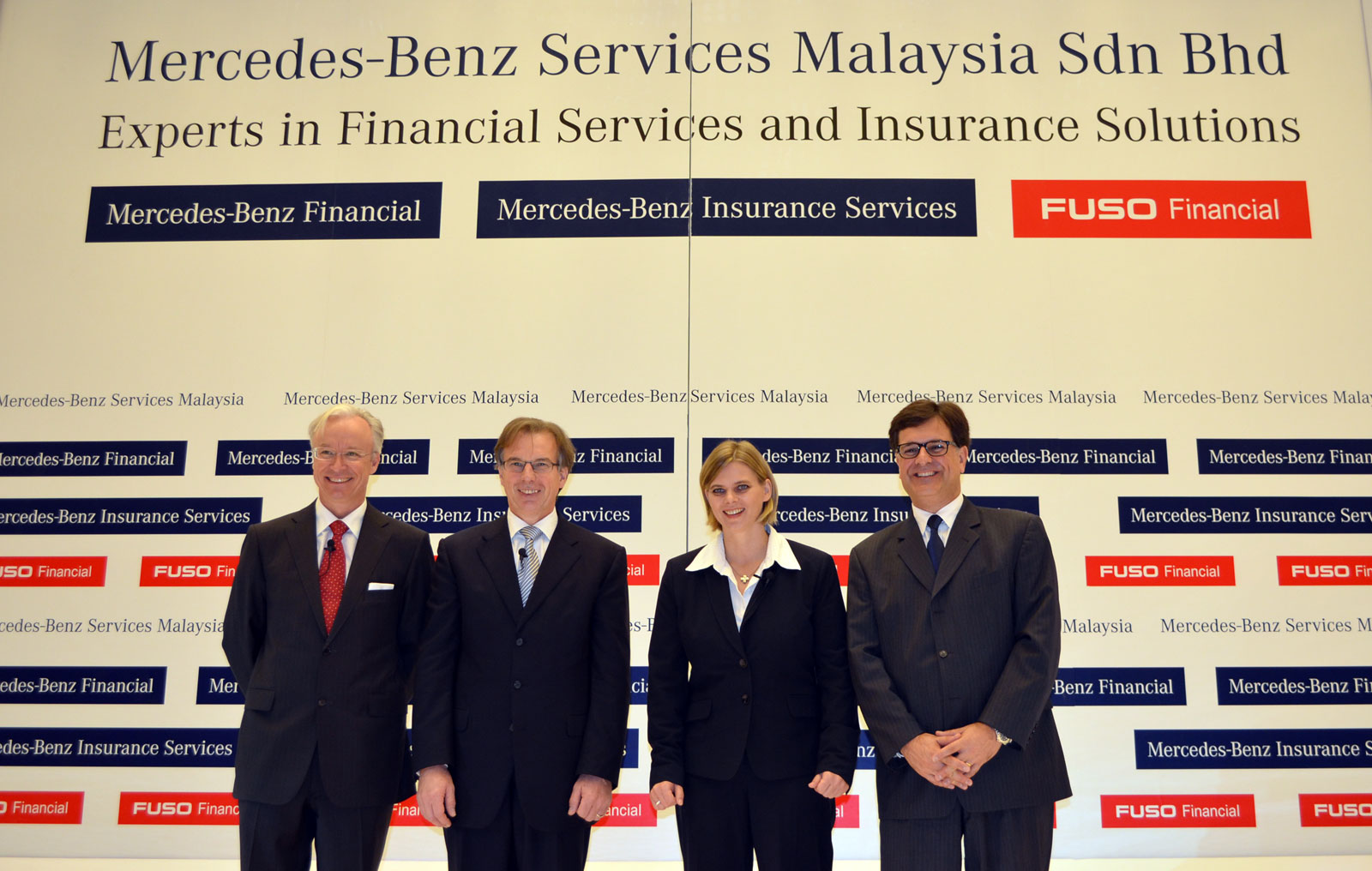 Daimler financial services now in malaysia offers for Mercedes benz service b specials