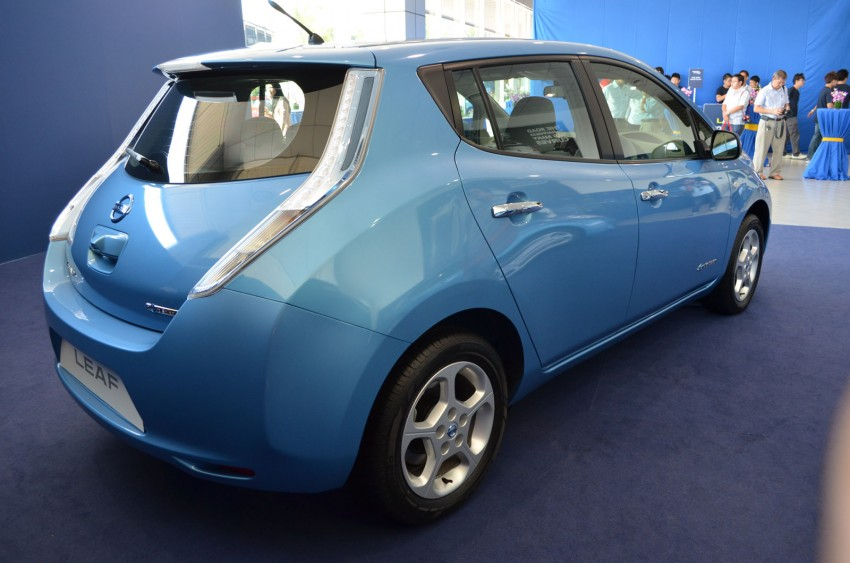Nissan Leaf driven around the block – you can try it too! Image #104553