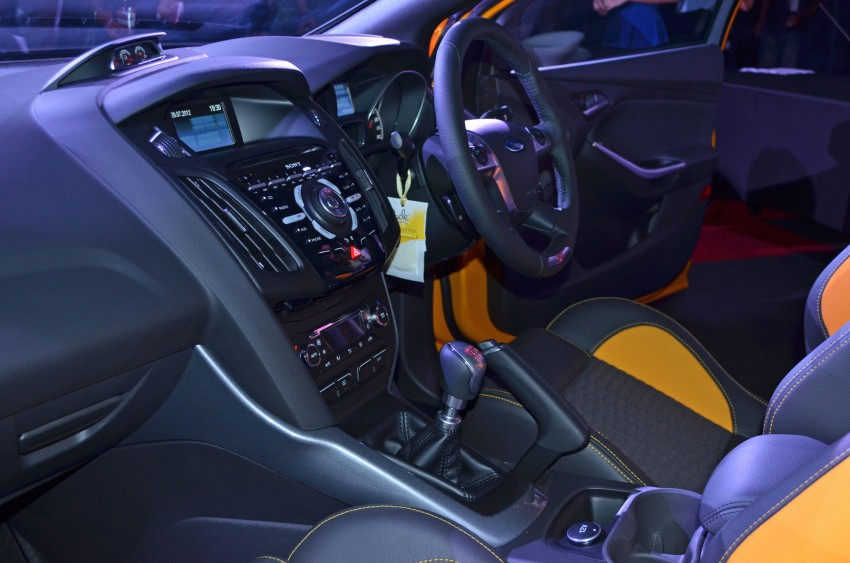 Ford Focus ST – the GTI challenger arrives, RM209k Image #131137