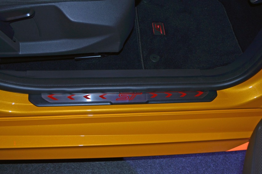 Ford Focus ST – the GTI challenger arrives, RM209k Image #131142