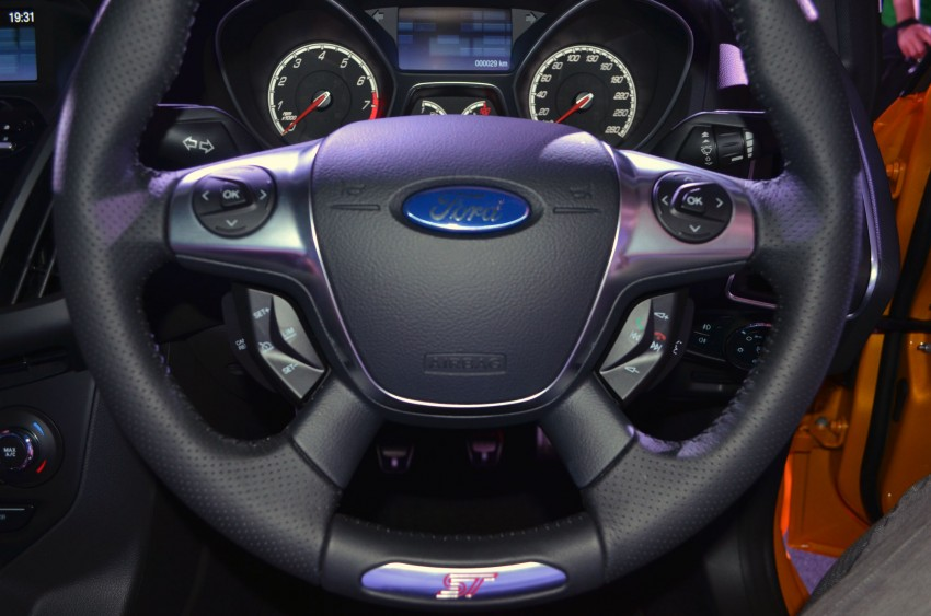 Ford Focus ST – the GTI challenger arrives, RM209k Image #131145
