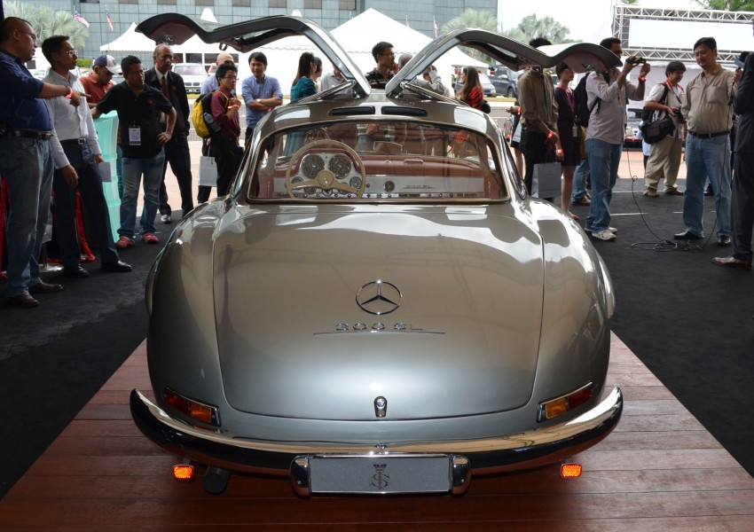 GALLERY: Five generations of the Mercedes-Benz SL Image #140477