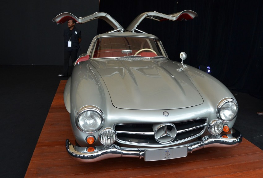 GALLERY: Five generations of the Mercedes-Benz SL Image #140480
