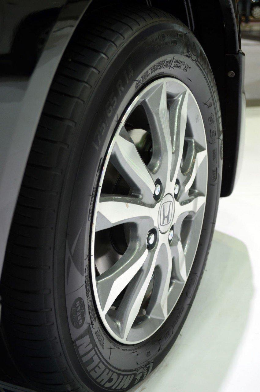 GALLERY: Honda Brio Amaze with Modulo add-ons Image #143864