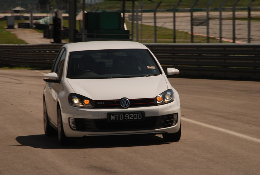 Volkswagen Golf GTI Mk6 Test Drive Review Image #124372