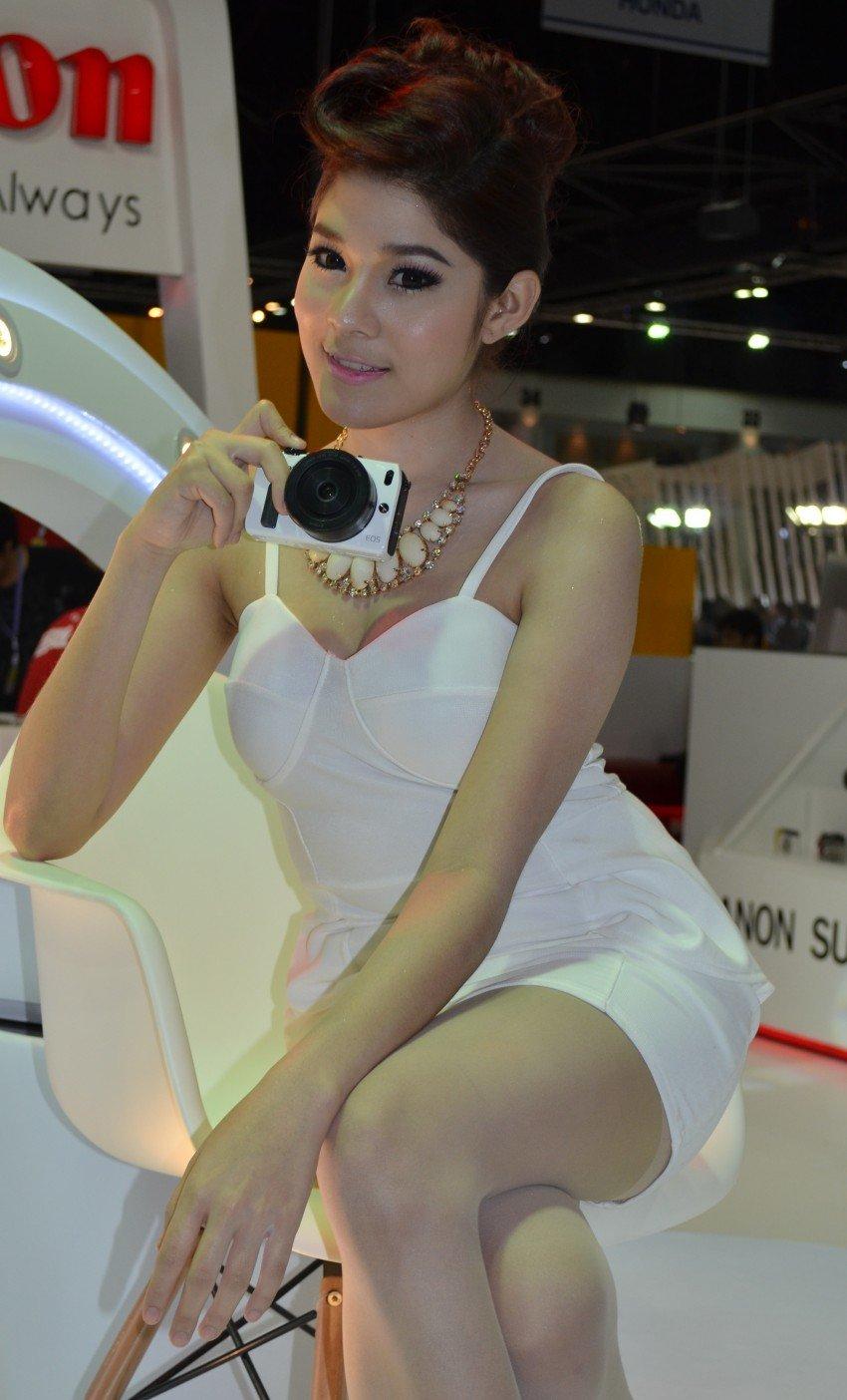 2012 Thai Motor Expo – the ladies wrap it up Image #144622