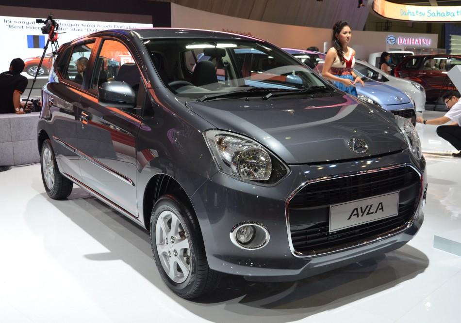 Daihatsu Ayla 1.0L eco-car Indonesia international Motor Show 2012