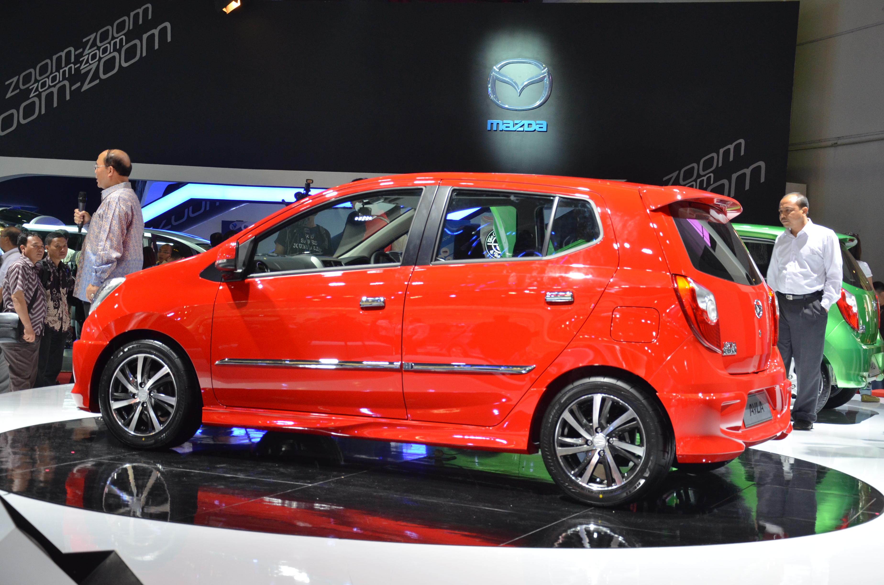Daihatsu Ayla 1.0L eco-car launched in Indonesia