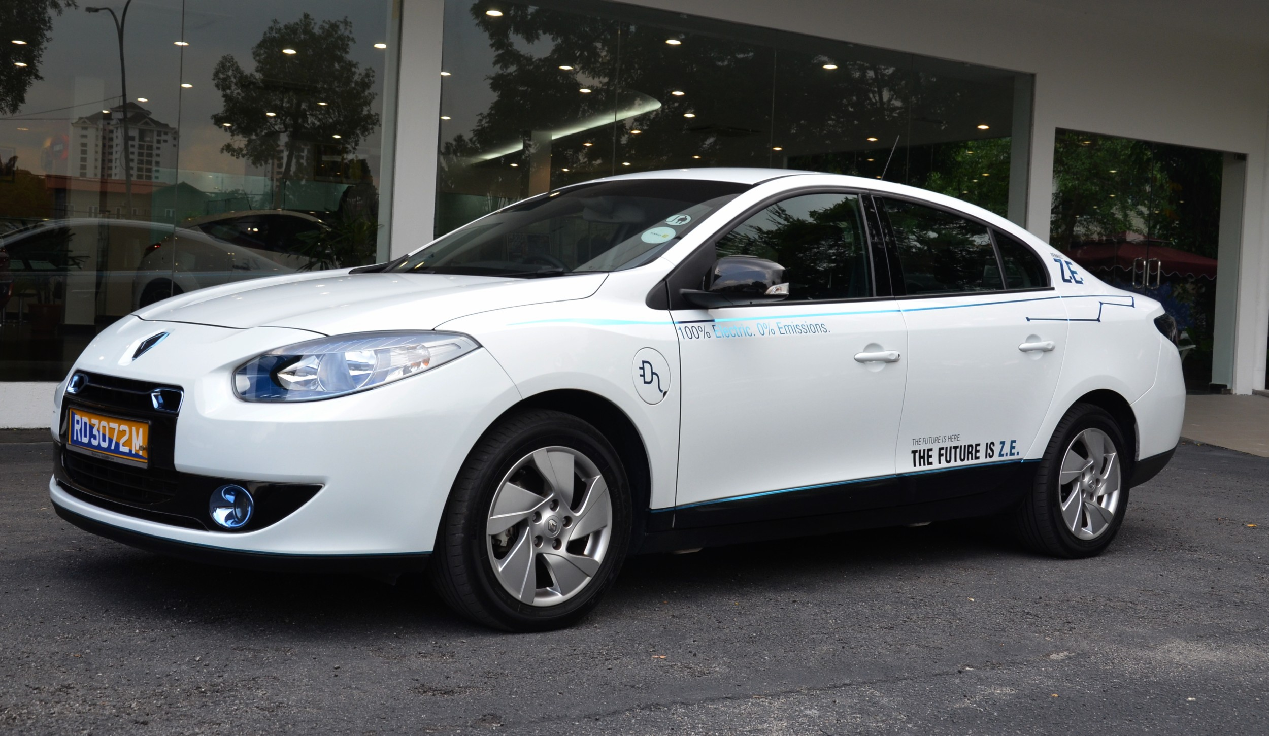 renault fluence ze planned for production in china report. Black Bedroom Furniture Sets. Home Design Ideas