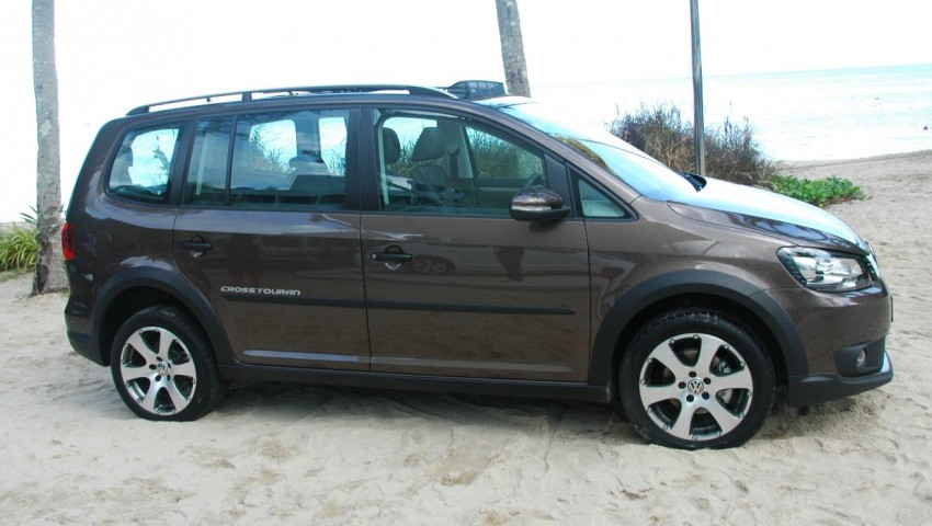 DRIVEN: Volkswagen Cross Touran 1.4 TSI – first drive Image #75585