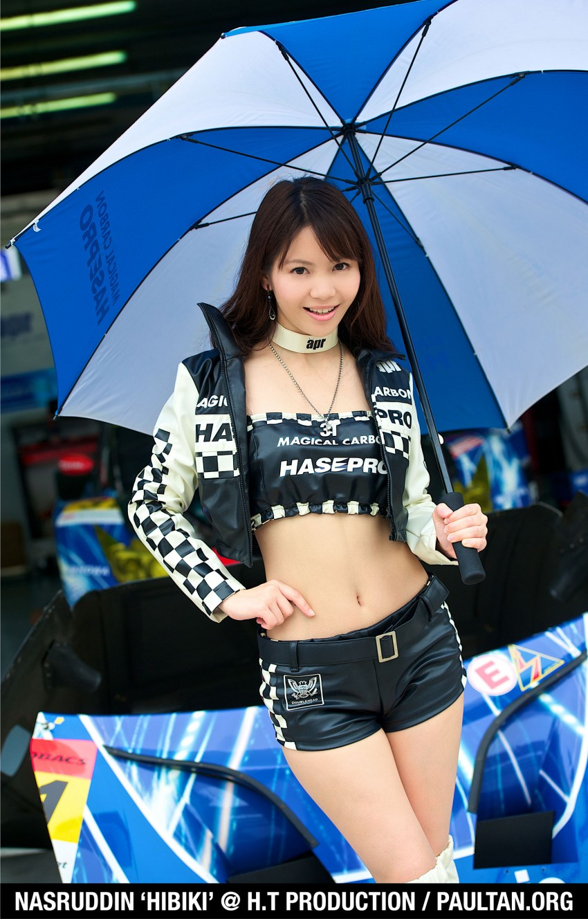 Super GT 2012 Rd 3: Of booth babes and race queens Image #112171