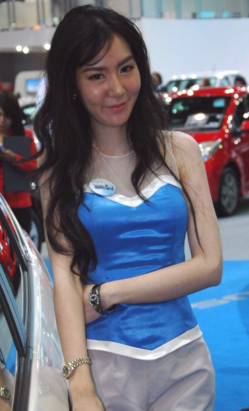 Bangkok Motor Show 2012 – the ladies say hello! Image #96535