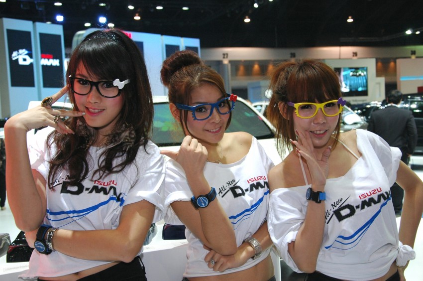 Bangkok Motor Show 2012 – the ladies say hello! Image #96502