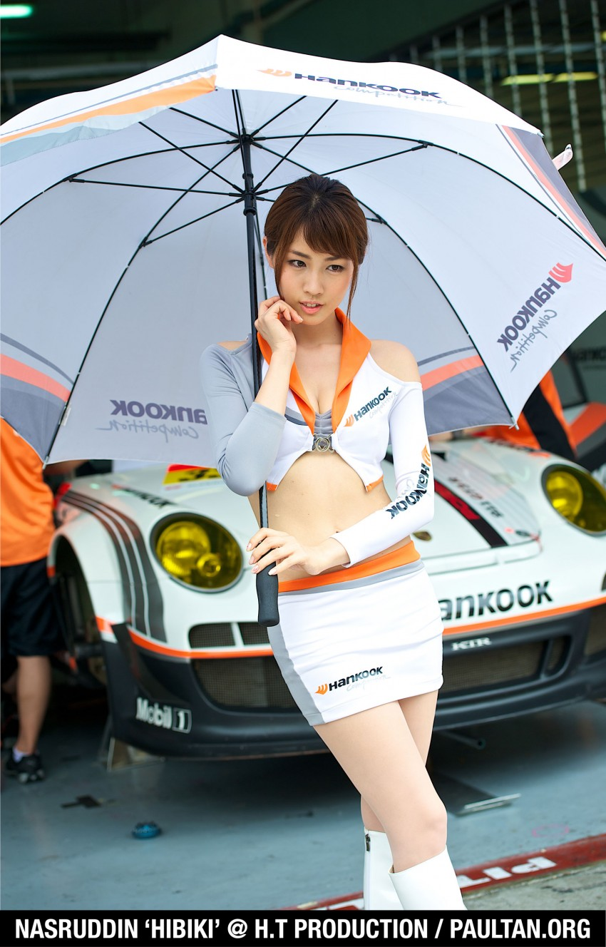 Super GT 2012 Rd 3: Of booth babes and race queens Image #112193