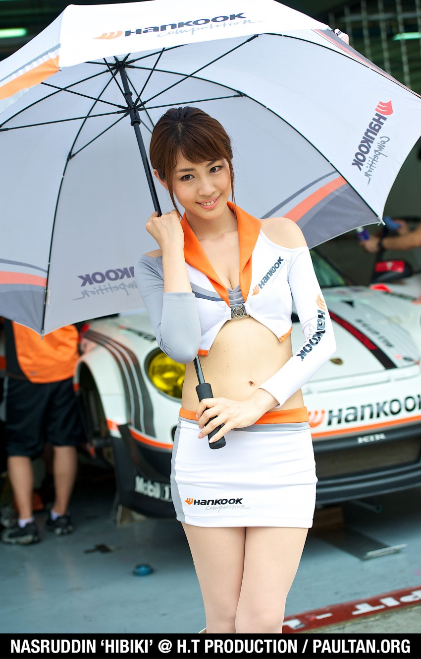 Super GT 2012 Rd 3: Of booth babes and race queens Image #112194